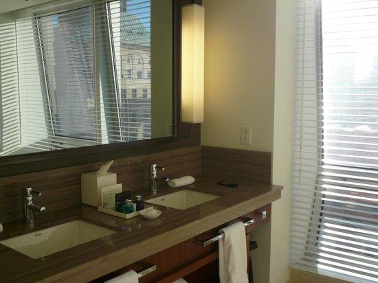 โรงแรม เดอะ เซไท ฟิฟท์ อเวนิว อะ คาเปลลา เมเนจ โฮเต็ล: Bathroom