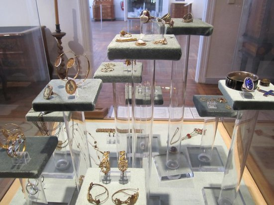Kulturhistorisches Museum Stralsund: Antique jewellery