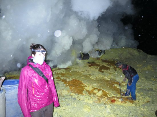 Banyuwangi, Indonesia: in the crater