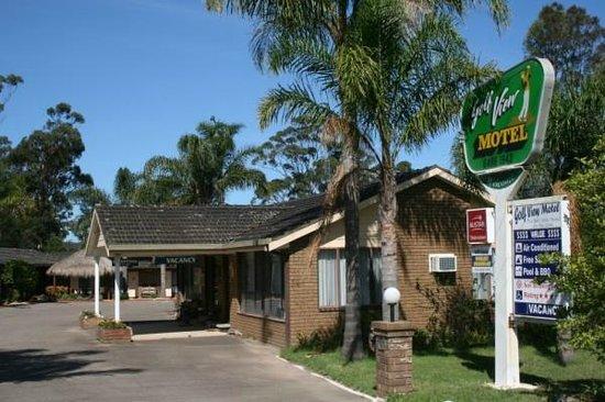 Golf View Motel: Motel entrance