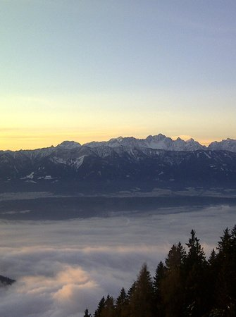 Sonnenhotel Zaubek: View versus Slovenia and Italy