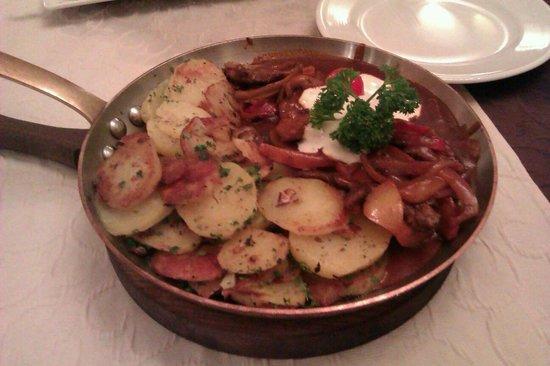 Restaurant Purlepaus : Goulash