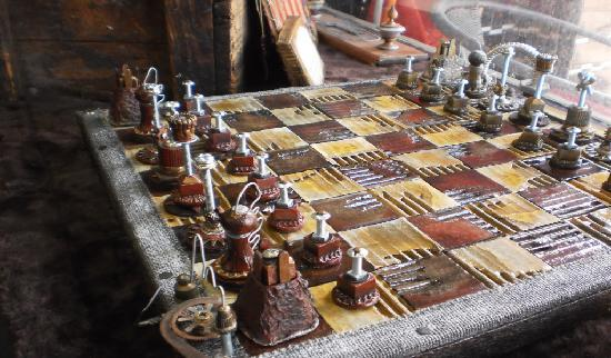 La Musette Cycling Cafe & Gallery: Steampunk industrial chessboard