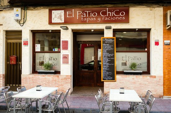 El patio chico torrevieja restaurant reviews phone for Patio chico