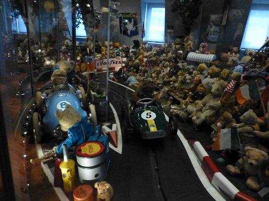 Spielzeug welten museum basel bázel svájc Értékelések