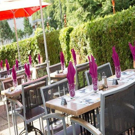 Campanile Luxembourg Airport: Terrace