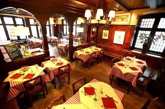 Winstub Zuem Strissel, Strasbourg, Bas-Rhin, France. 10 старейших ресторанов во Франции
