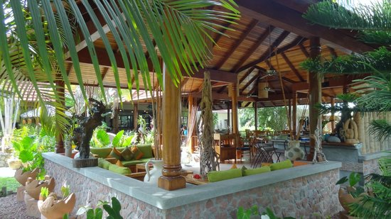 Le Duc de Praslin: Bar and restaurant