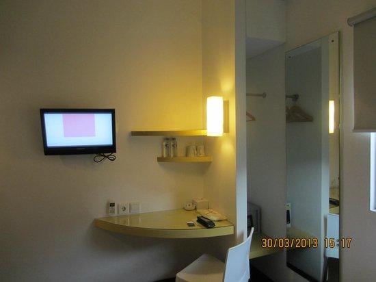 Amaris Hotel Cimanuk: The room