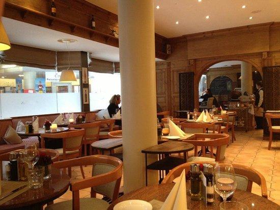 Althoff Hotel Am Schlossgarten : Restaurant Vinothek