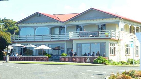 South Sea Hotel dining room and pub: Una panoramica esterna del ristorante