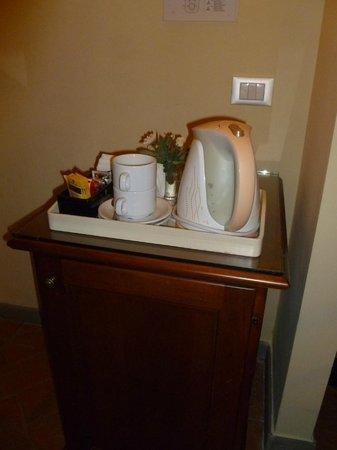 La Casa del Garbo: Coffee/Tea in room