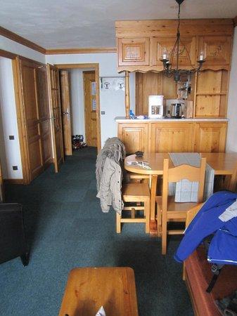 Village Montana : living room - kitchen