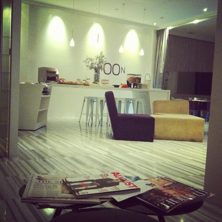 Moon 23 Hotel: Lobby