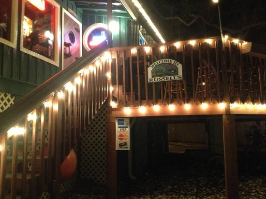Russell's Seafood Grill: Entrance Stairs