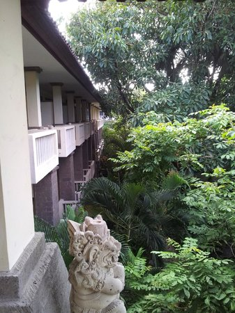 Hotel Kumala Pantai: View to Block A