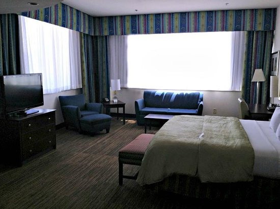 Clarion Grand Boutique Hotel: Our new sheers are done, our new carpet is going in presently and next up is new bedding!