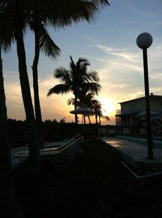 Harbor Lights Motel: great sunset