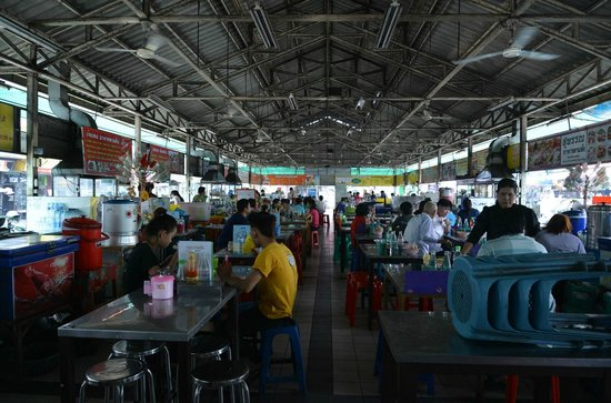 Thanin Market : The canteen nearby