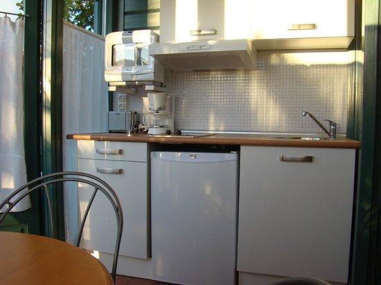 Apartamentos del Norte: Cocina apartamento