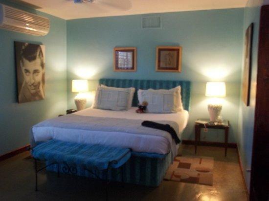 Palm Springs Rendezvous: Honeymoon Hideaway