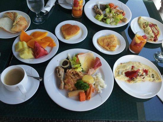 Monaco Suites de Boracay: breakfast