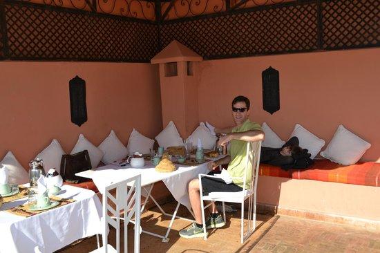 Riad Adriana : Rooftop breakfast