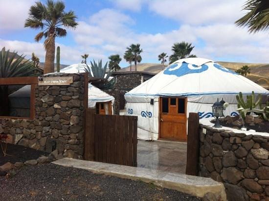 Finca de Arrieta: yurts