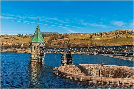 Brecon Mountain Railway : Pontsticill Reservoir with Mountain Railroad in background