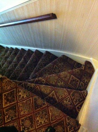 Mentone Hotel: Último tramo de escaleras.