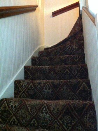 Mentone Hotel: Ultimo tramo de escaleras.