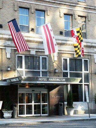 Hotel Harrington: Front of the Hotel