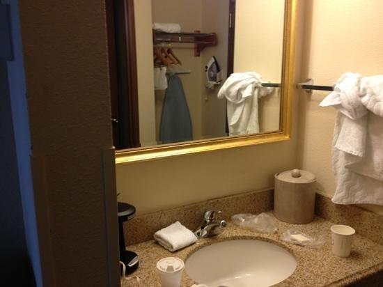 La Quinta Inn & Suites Plattsburgh: lavabo