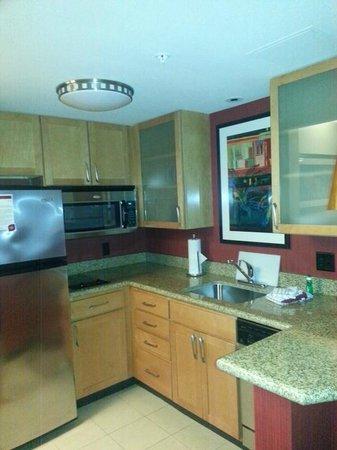Residence Inn Miami Airport: Kitchen in 3316