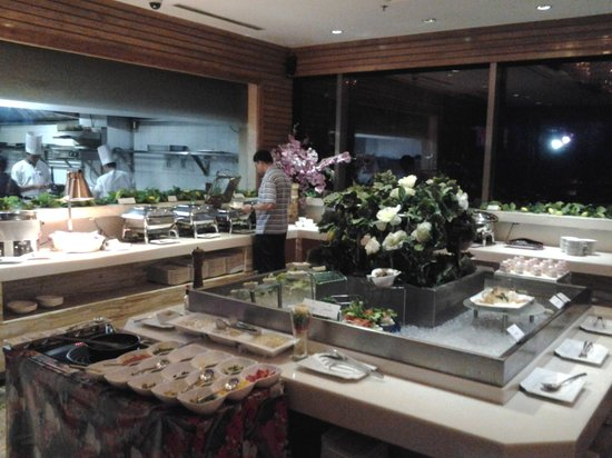 BEST WESTERN Skycity Hotel: Barbeque buffet