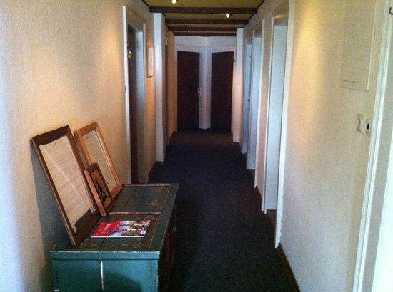 Hotel am Bach: Flur 1. OG