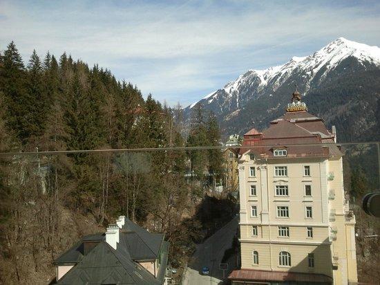 Hotel Elisabethpark: Вид на казино и горы.