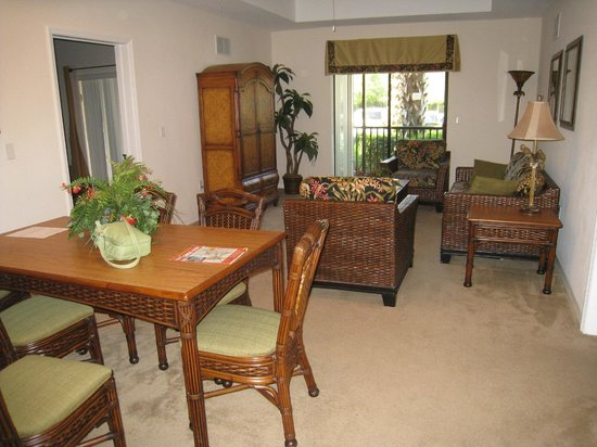 Caribe Cove Resort Orlando: living room