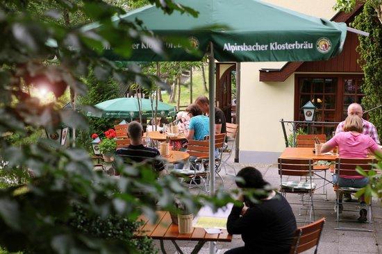 Muhlbach Stube: Biergarten1