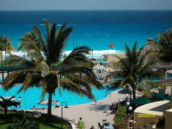 The Royal Islander All Suites Resort: View from Balcony