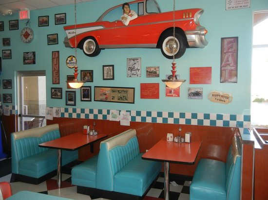 Telly's Drive-In: Cool 50s decor