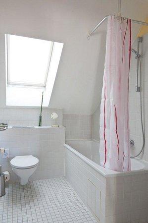 Golden Leaf Hotel Altmünchen: Badezimmer