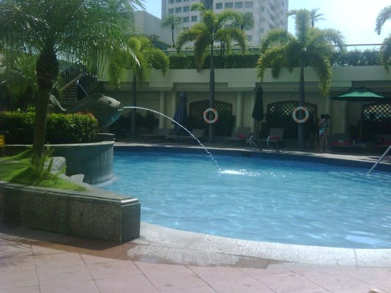 Pool picture of pan pacific manila manila tripadvisor for Pacific pools