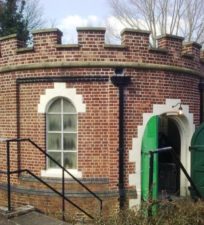 Dock Road Edwardian Pumping Station: Beautiful Building