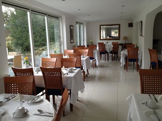 Norfolk House Hotel: the dining room