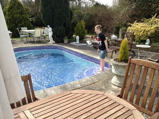 Norfolk House Hotel: taking a dip!