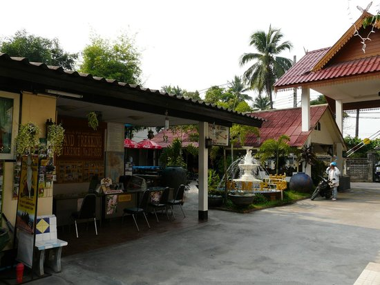 B.M.P. Residence: B.M.P. Resident Hotel