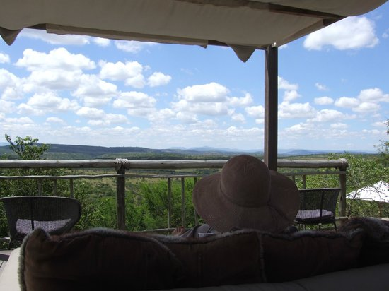 Nambiti Hills Private Game Lodge: The view from the lodges day beds on the deck