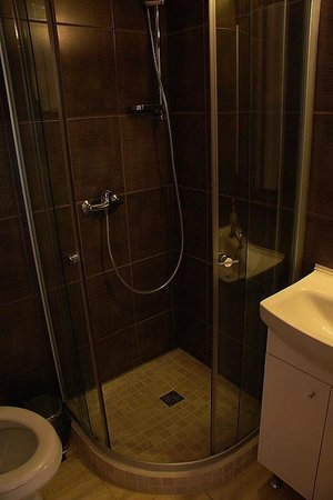 Avalon Rooms: Bathroom
