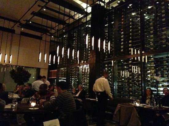 Colicchio & Sons Tap Room: Main dining room
